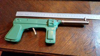 Alte Blechspielzeug Pistole,  Bespielt Aber Funktionsfähig,  24cm Lang,  Blech Bild