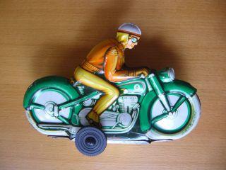 Grünes Motorrad,  Blech Bild