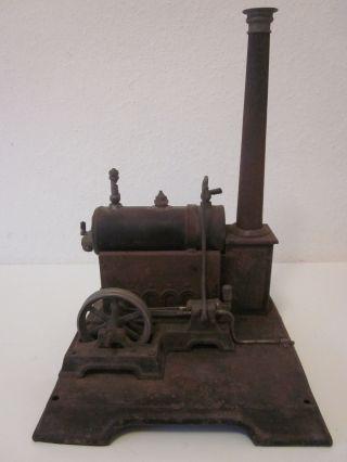 Alte Kleine Dampfmaschine