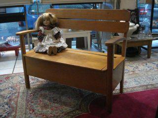 Kleine Art Deco Kinderbank - Bank Auch Ideal Für Puppen - Truhenbank Von Herlag Bild