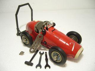 Schuco 1070 Grand Prix Racer Ferrari Uhrwerk 1:20 Zubehör Us - Zone Made 1954 Bild