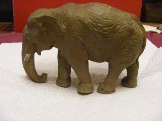 Elefant Hauser Elastolin Oder Linol? Bild