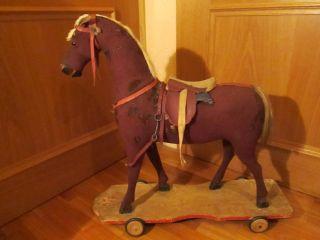 Pferd Auf Rädern,  Schaukelpferd - Antikes Holzspielzeug Mit Sackleinen Bild