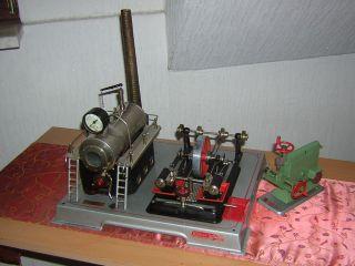 Wilesco Zweizylinder Dampfmaschine Plus Antrieps Stanze Bild