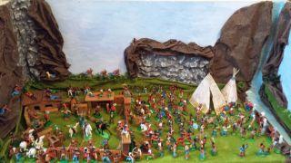 Großes Spielset Ddr Indianer/cowboy/fort/pferde,  Reiter/westernfiguren/zubehör Bild
