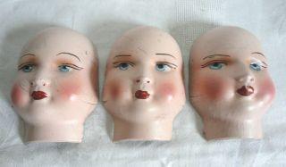 3 Antike Pappmaschee Pappmache Puppenköpfe Handbemalt Um 1920 Bild