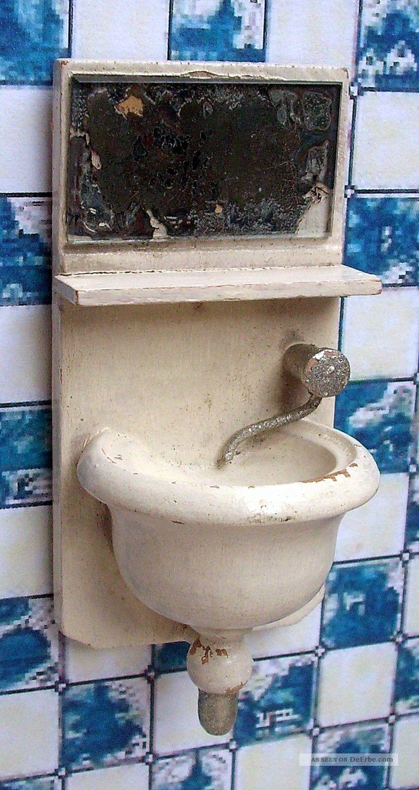 Antikes sehr kleines waschbecken holz mit spiegel for Spiegel badezimmer holz