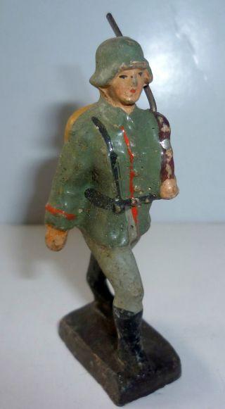 Soldat Mit Tornister Ca.  7,  5 Cm Vor 1945,  Lineol ? (28) Ungereinigt Bild
