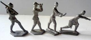 4 Soldaten Verschiedene Haltungen Aus Blei? Vor 1945 (23) Ungereinigt 3x5 Cm Bild