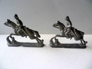 2 Soldaten Zu Pferde Denke Aus Blei,  Vor 1945 (19) Ungereinigt 7x 6 Cm Bild