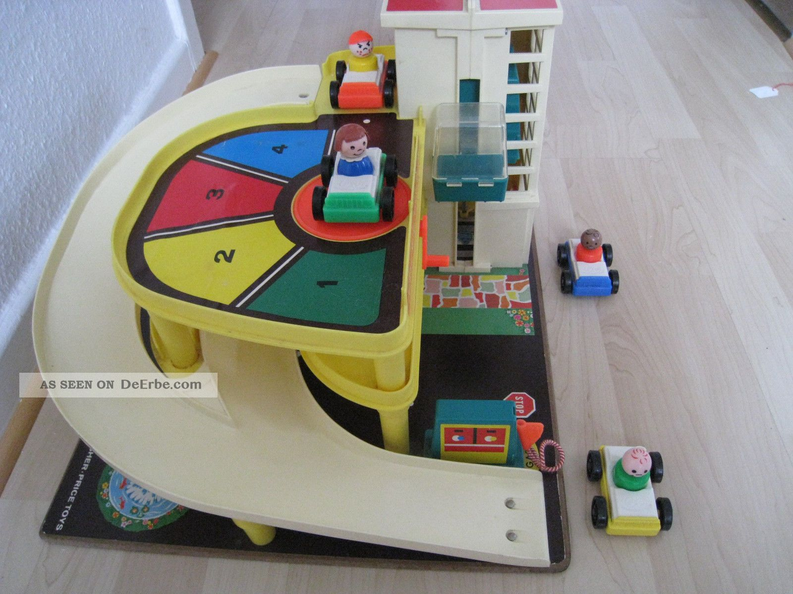 Garage Fisher Price : Fisher price little people garage vintage fisher price little