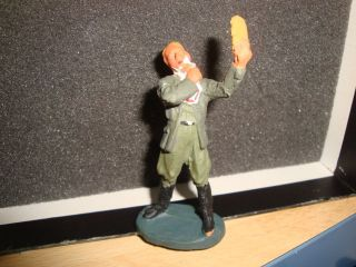 1 Seltene Elastolin,  Lineol,  Hausser Militär Masse Figur,  Soldat Bei Rasur,  Top Rar Bild