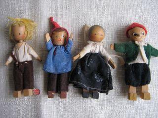 4 Alte,  Kleine Holzpüppchen,  Schweiz Fa.  Profuond,  Handarbeit Bild