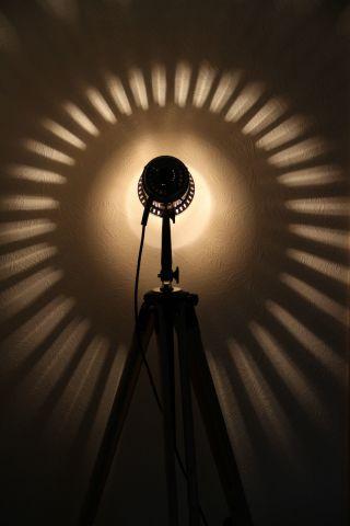 Tripod Steh Lampe Holz Stativ Bauhaus Loft Vintage Floor Lamp Art Deco Bild
