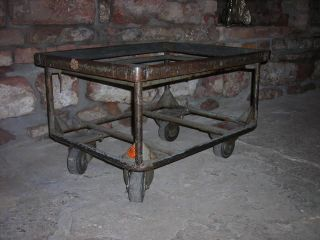 Loft Möbel Transport Wagen Industrie Design Couch Tisch 60er 70er Bild