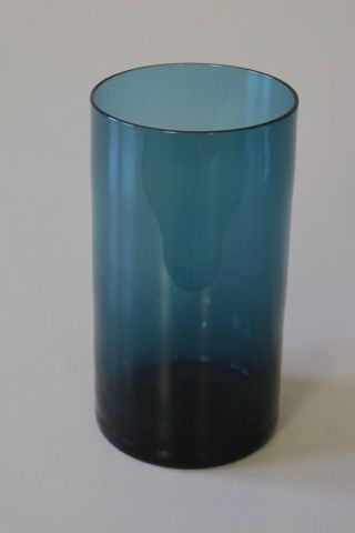 Rauchglas - Vase,  Turmalin,  11 Cm Höhe,  Aus Nachlass,  Guter Erhaltgungszustand Bild
