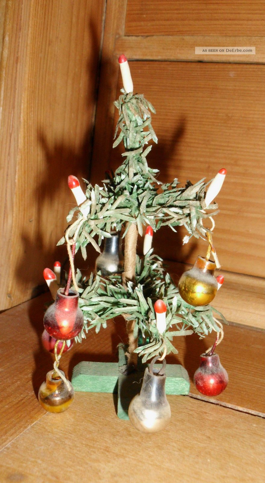 uralter kleiner weihnachtsbaum f r die puppenstube ca 1940. Black Bedroom Furniture Sets. Home Design Ideas