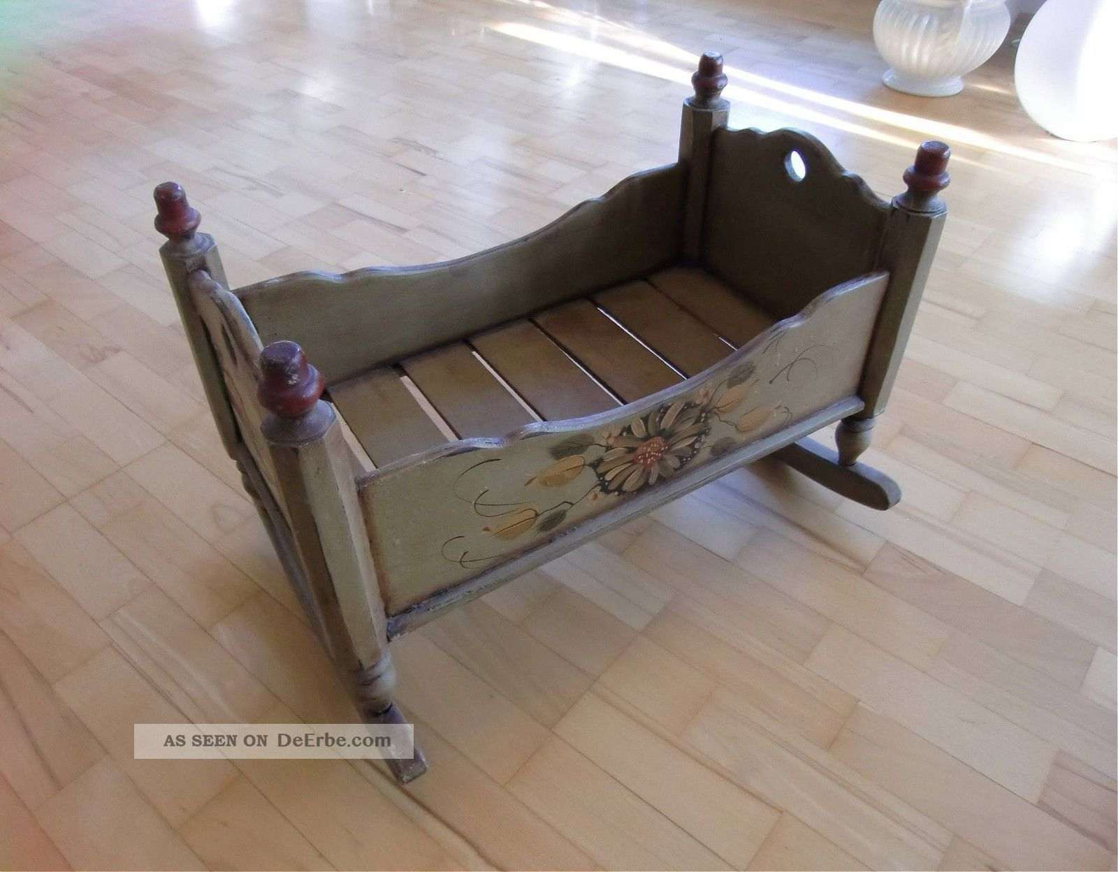 alte holzwiege klimaanlage und heizung zu hause. Black Bedroom Furniture Sets. Home Design Ideas