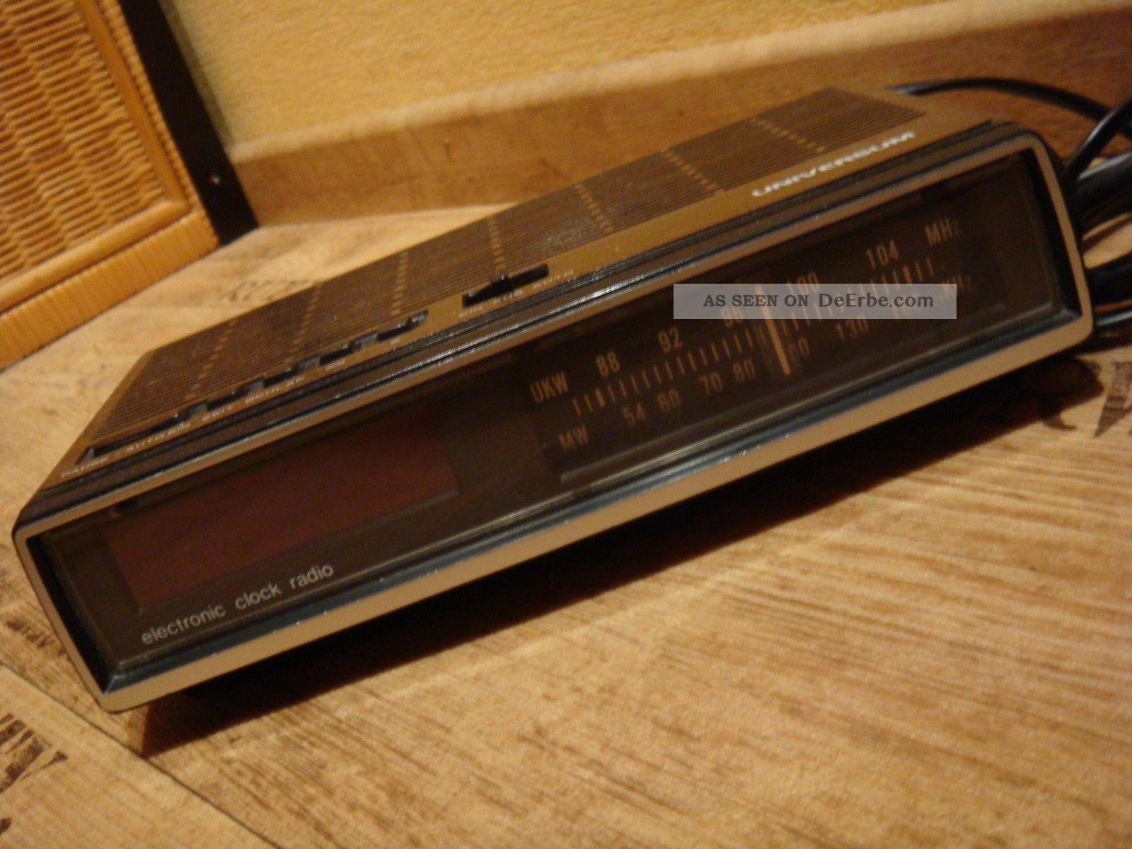 Radiowecker Universum 70er Radio Holzdekor Mit Digitalzahlen 1970-1979 Bild