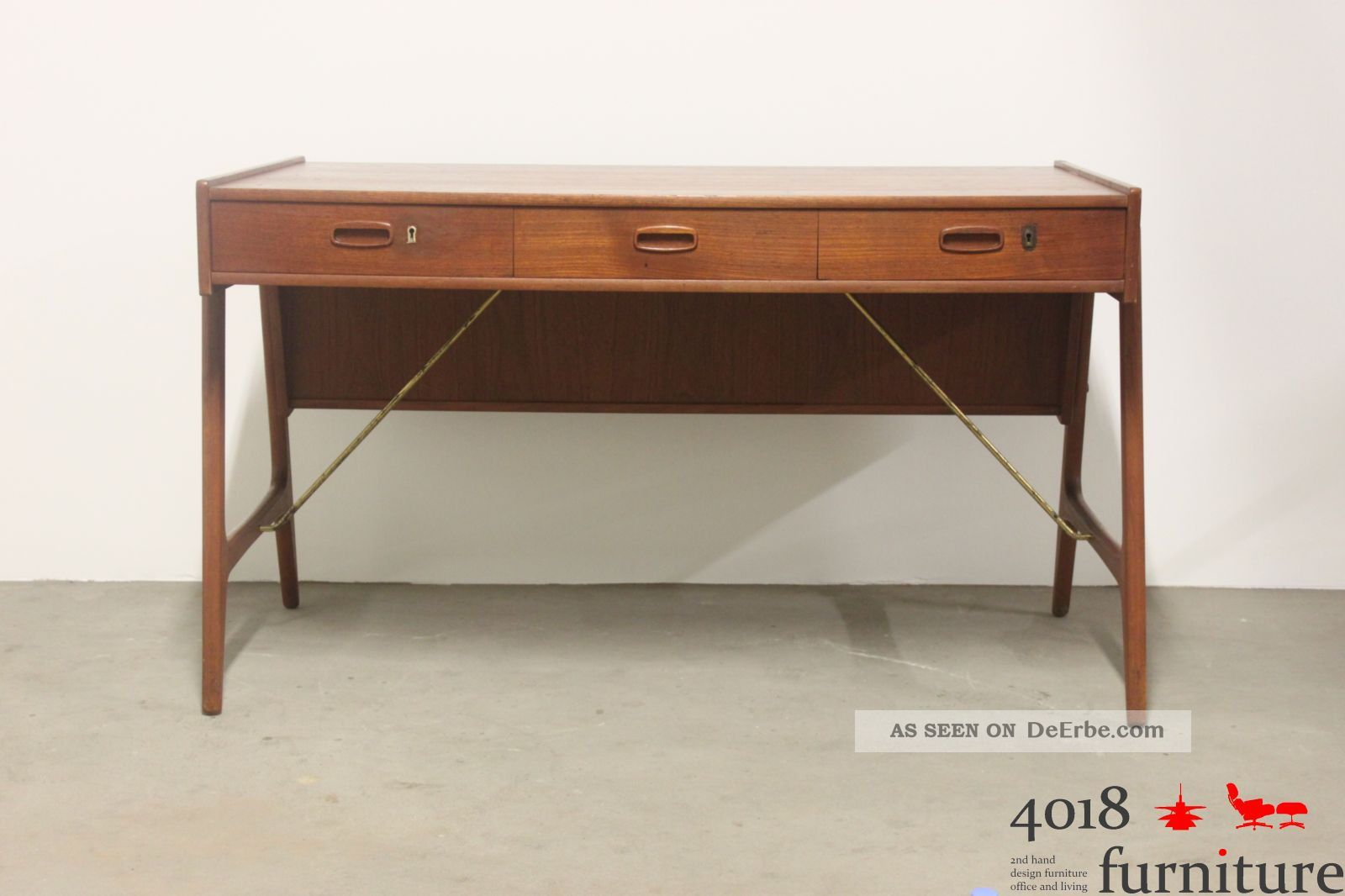 teak schreibtisch danish desk 50s 60s midcentury design. Black Bedroom Furniture Sets. Home Design Ideas