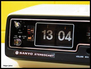 Sanyo Stereocast - Klappzahlen - Radio - Radiowecker - Wecker - Flip Clock - 70er - Vintage Bild