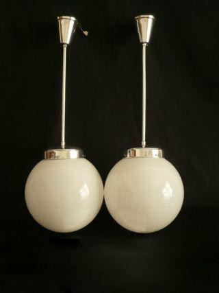 Paar Bauhaus Lampe Leuchte Opalglas Deckenlampe Kugellampe Alu Poliert Bild