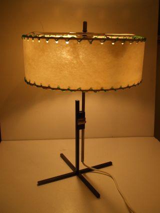 Stylische Tischlampe Steh Lampe Schirm Lederhaut Rockabilly Nierentisch Ära Bild
