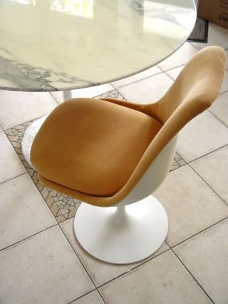 Eero Saarinen Tulip Table,  4 Chairs Tisch,  4 Stühle Knoll International Marmor Bild
