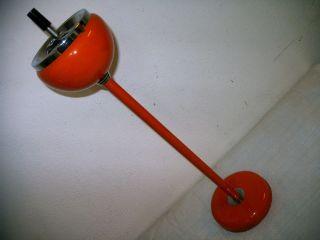 Alter Standaschenbecher Aus Metall,  Orange - Rot,  Sehr Dekorativ,  Echter Hingucker Bild