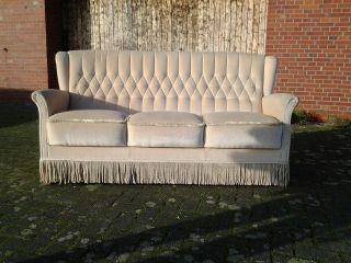 Chesterfield Chair Couch / Sofa 50er Jahre Mit Fransen Samtvelours Beige Bild