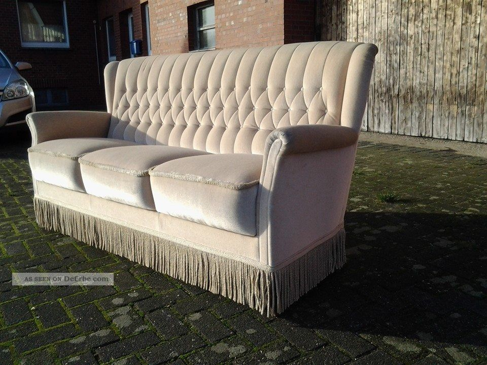 chesterfield chair couch sofa 50er jahre mit fransen samtvelours beige. Black Bedroom Furniture Sets. Home Design Ideas