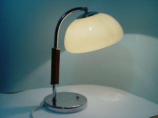 Ori.  1935 Kaiser Idell Luxus Mod.  6599 Große Tischleuchte Chrom Mit Opalglasschirm Bild