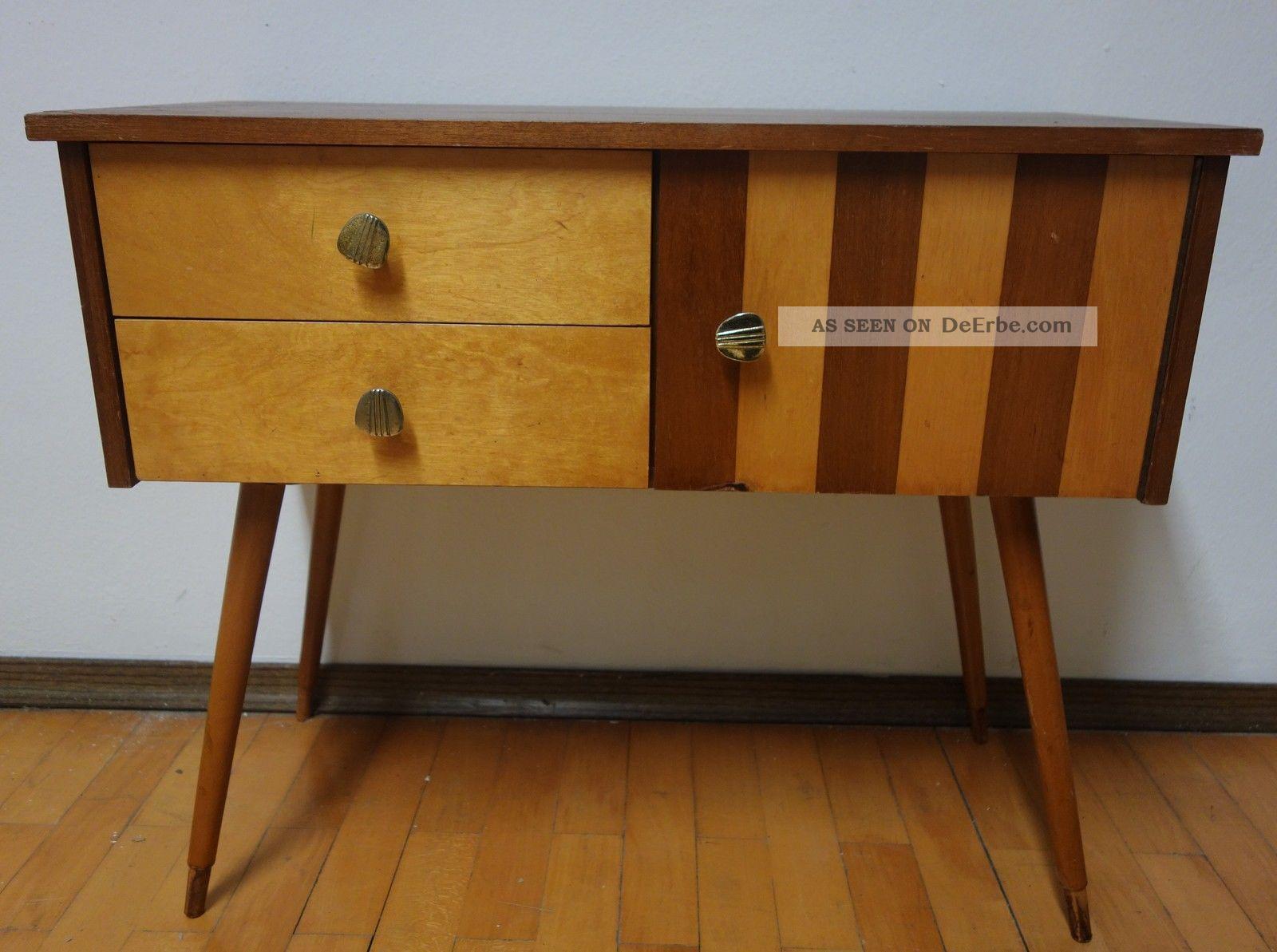 sch nes kleines sideboard aus den 50er 60er jahren mid. Black Bedroom Furniture Sets. Home Design Ideas