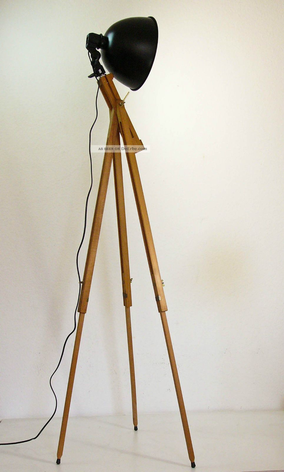 tripod stehlampe scheinwerfer stehleuchte dreibein holz stativ lampe retro 60er. Black Bedroom Furniture Sets. Home Design Ideas