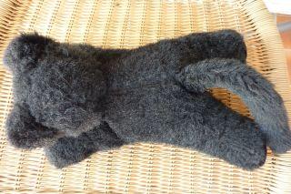 Grisly - Schwarze Katze Liegend,  Ca.  29cm,  Mit Markenknopf Bild