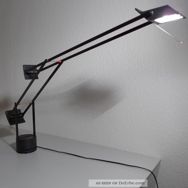 70er design tischlampe artemide tizio richard sapper schreibtischlampe. Black Bedroom Furniture Sets. Home Design Ideas