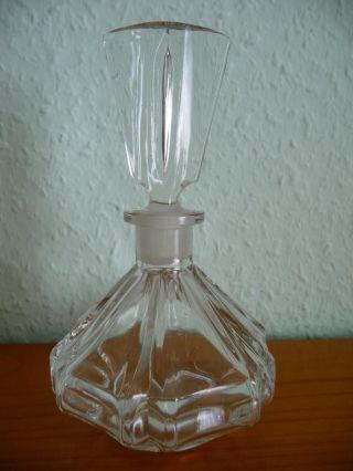 Schlichter Parfumflacon,  Parfümflakon Aus Klarglas Mit Ausgefallenem Stöpsel Bild