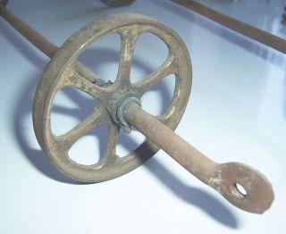 Zwei Gussräder Mit Achse Wohl Für Steiff Teddybär Nachziehbär Um 1900 Ersatzteil Bild