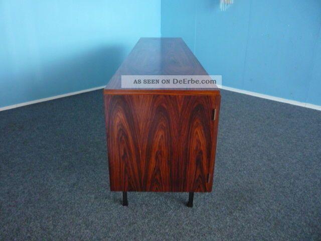 grosses und schlichtes sideboard palisander 60er 70er jahre. Black Bedroom Furniture Sets. Home Design Ideas