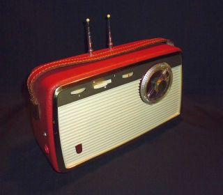 Grundig Kofferradio Party Boy Transistor 200.  Kofferradio 1960.  Kult Radio Bild