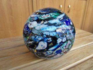 Glaskugel Briefbeschwerer Blumen 10 Cm Blautöne Bild