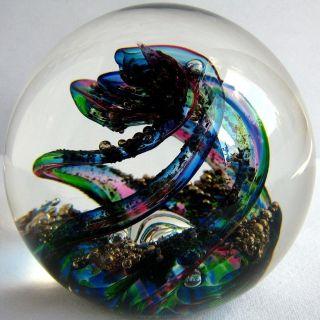 Briefbeschwerer / Paperweight Selkirk Glass Spindrift 1997,  Magnum Format Bild