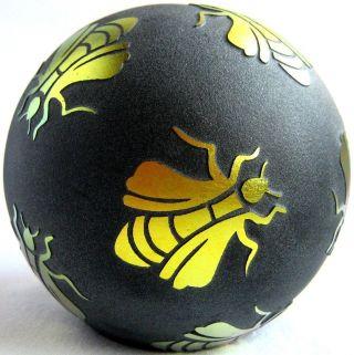 Briefbeschwerer / Paperweight Correia Art Glass 1994,  Bienen,  Handsigniert Bild