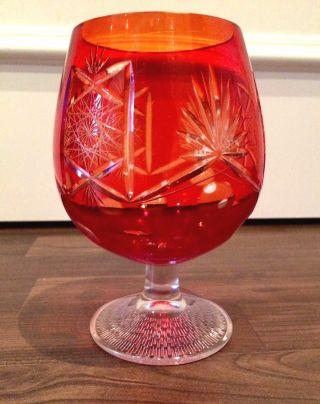 Rotes Römer Kristallglas Bild