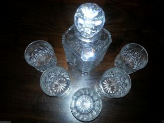 Whisky Karaffe Mit Gläsern Bild