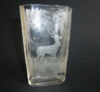 Sehr Schöne Kleine Antike Vase Aus Glas Mit Jagd Wald Motiv Relief Bild