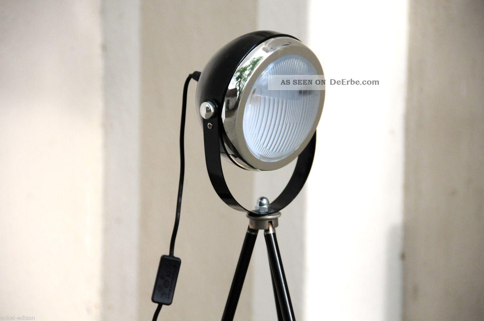 tripod lampe manufaktur stehlampe schwarz auf antikem fotostativ bauhaus stil. Black Bedroom Furniture Sets. Home Design Ideas