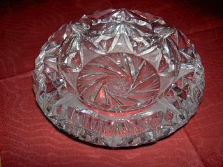 Strahlender Kristall - Aschenbecher Mit Schönem Schliff Bild
