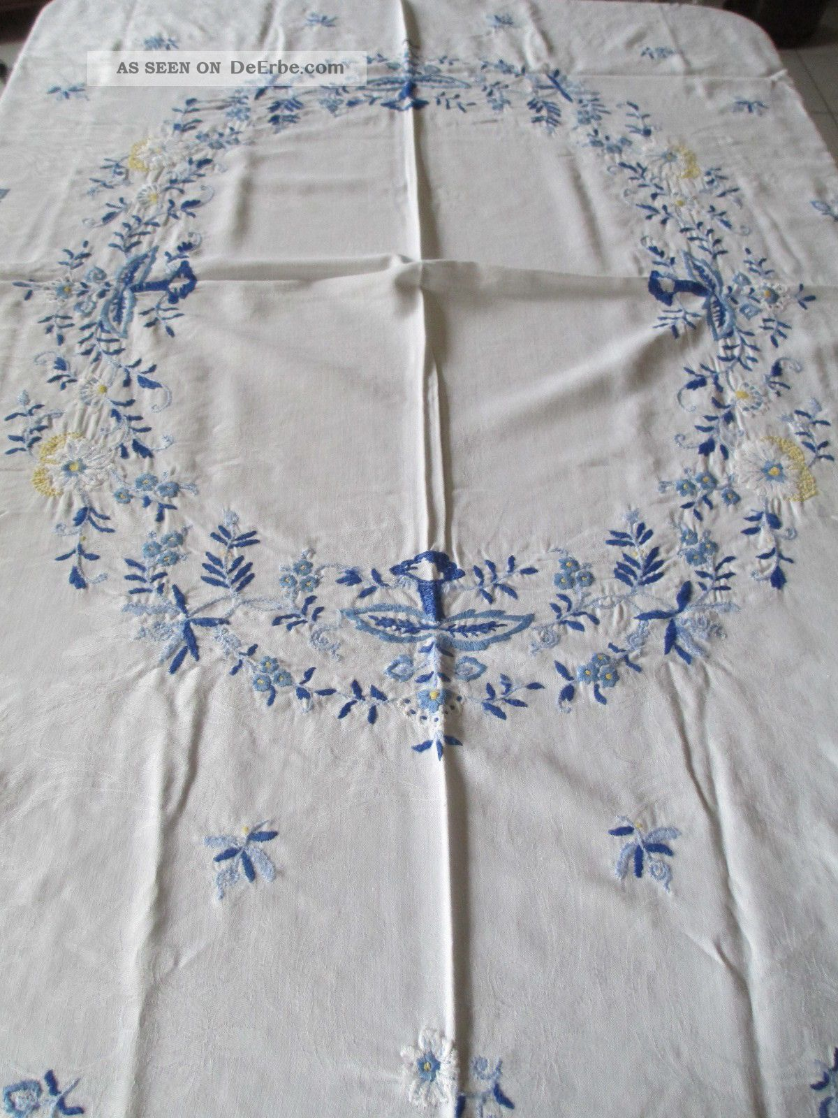 Schöne Alte Tischdecke,  Mit Blauer Stickerei Tischdecken Bild