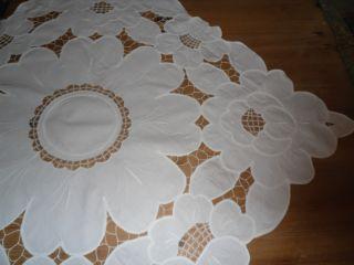 Tischdecke Weiß 100 Baumwolle Lochtickerei Edel Mitteldecke Blütenmuster Top Bild